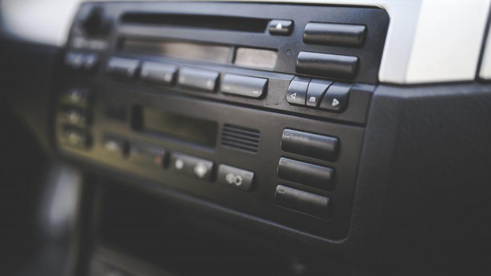 Radio de voiture